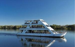 The Lady Livingstone Cruise Tour Packages